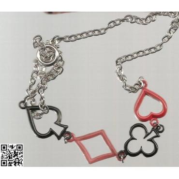 schöne Halskette mit Kartensymbolen